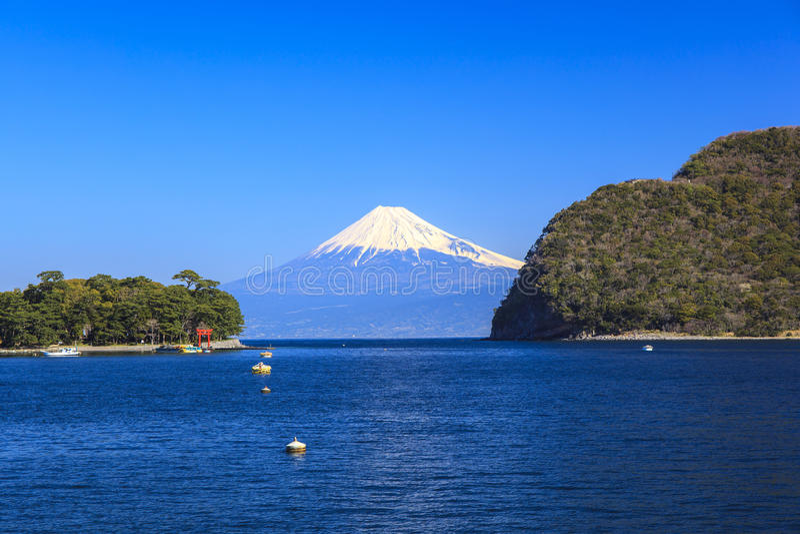 Mt Opinión de Fuji del puerto de Heda imágenes de archivo libres de regalías