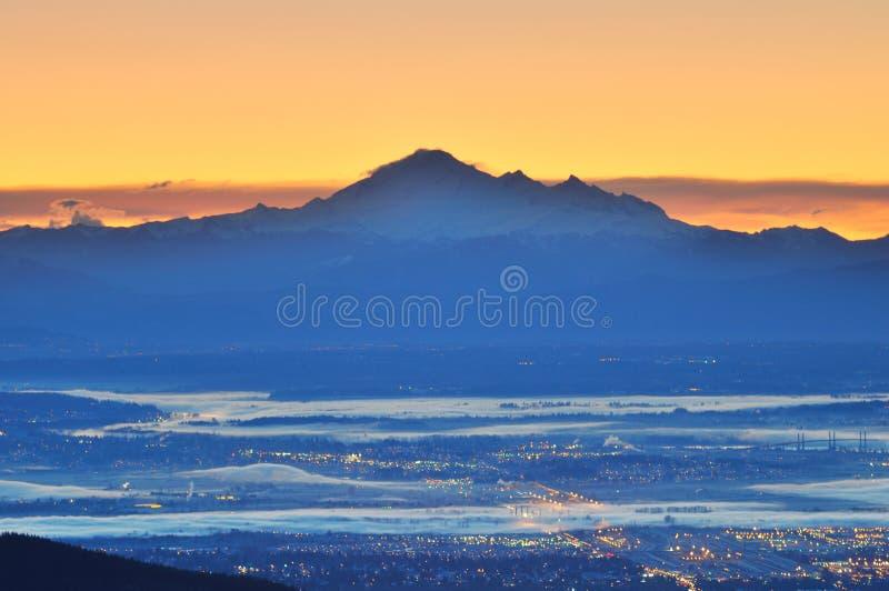 Mt. Padeiro e vale de Fraser no nascer do sol fotografia de stock