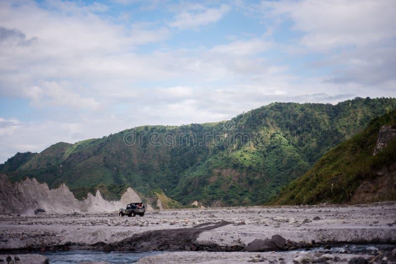 Mt Pinatubo affärsföretag fotografering för bildbyråer