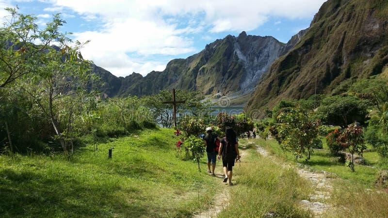Mt Pinatubo Caldera royaltyfria foton
