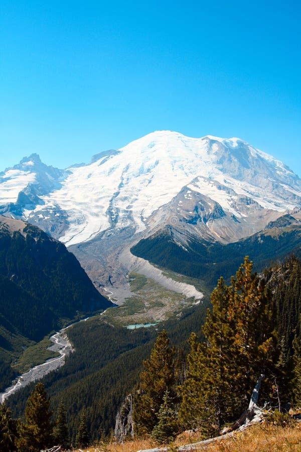 Mt. Plus pluvieux photos stock