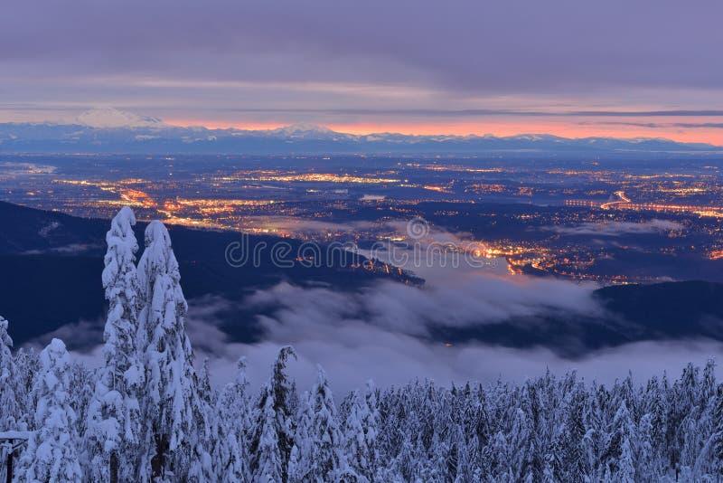 Mt Seymour冬天日出 免版税库存照片