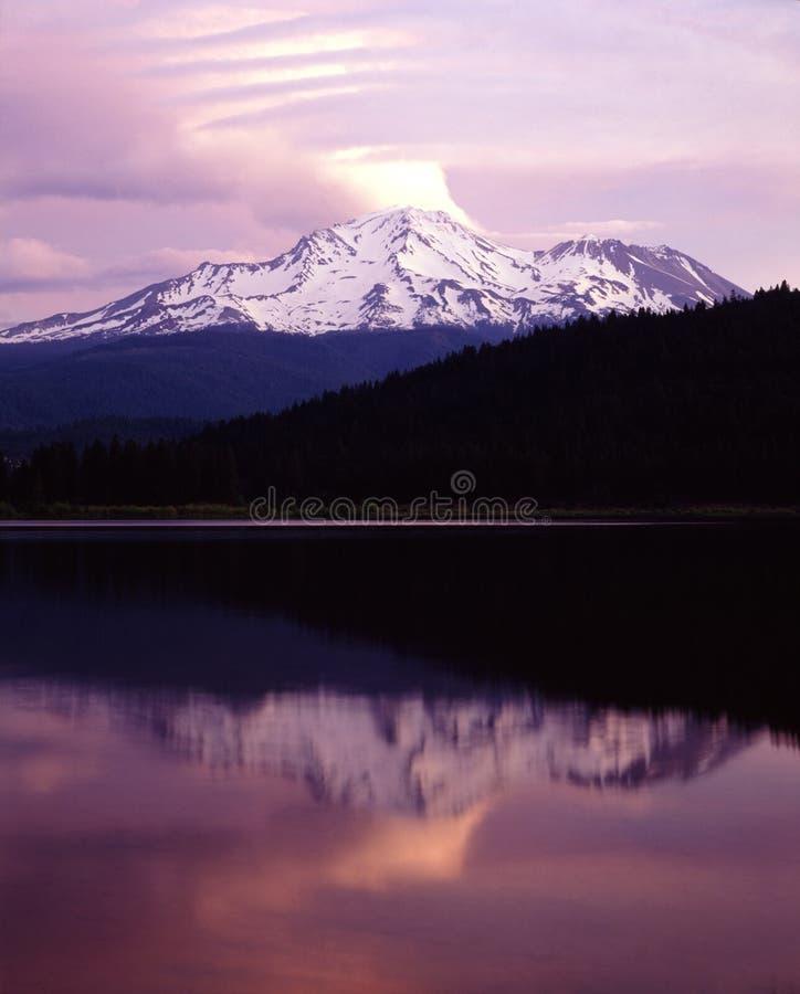 MT.SHASTA photographie stock libre de droits