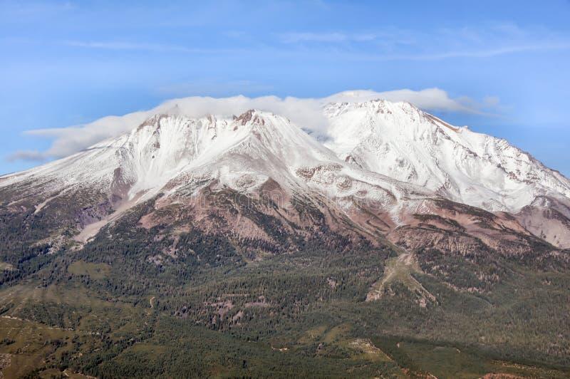 Mt Shasta od Czarnego Butte śladu, Siskiyou okręg administracyjny, Kalifornia, usa fotografia royalty free