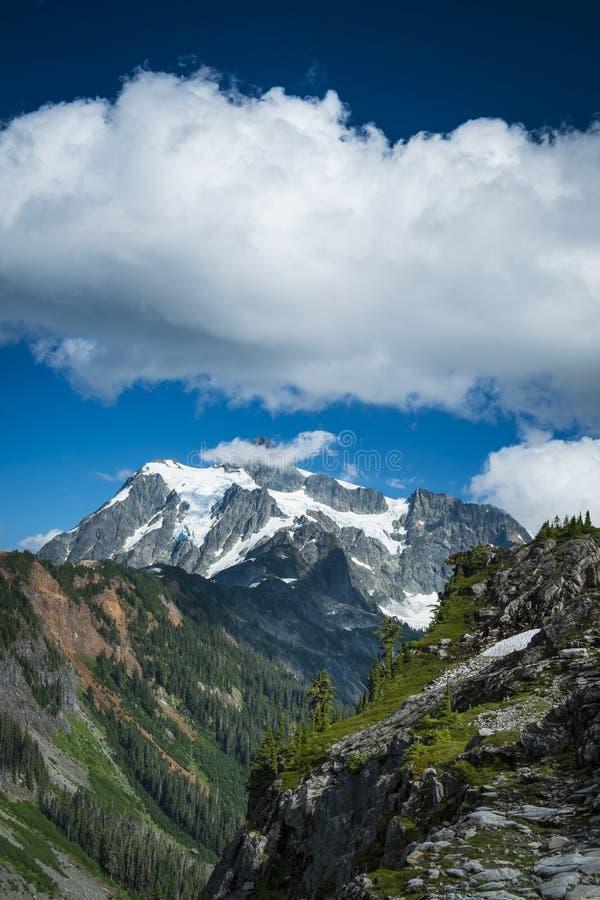 Mt Shuksan, cascades de l'état de Washington images libres de droits