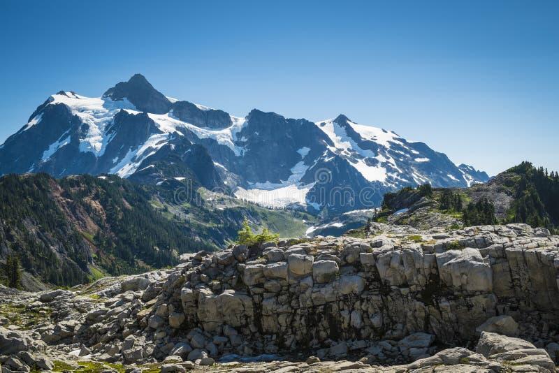 Mt Shuksan, cascades de l'état de Washington images stock