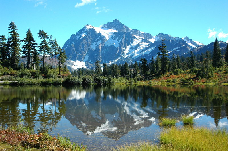 Mt shuksan & picture lake stock images