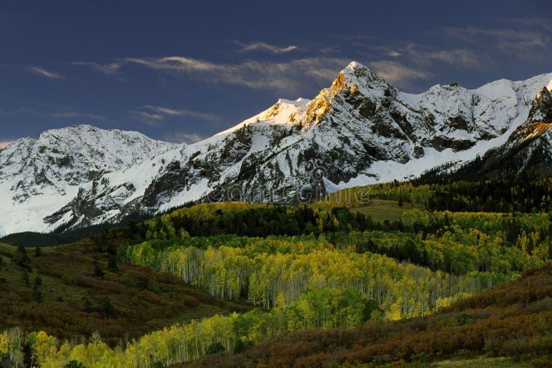 Mt. Sneffels in de kleur van de Daling en royalty-vrije stock foto's
