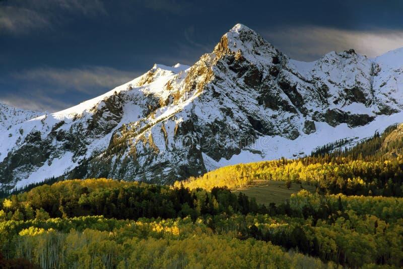 Mt. Sneffels in de kleur van de Daling en stock afbeelding