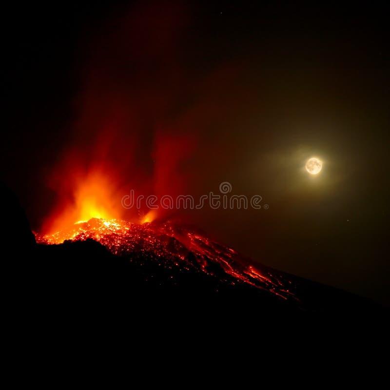 Mt Stromboli par Night 1 photo libre de droits