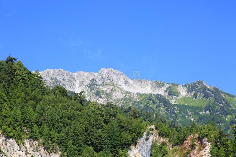 Mt Tateyama da represa de Kurobe fotos de stock royalty free
