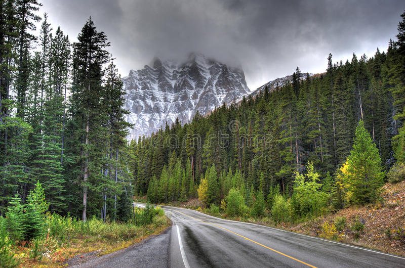 Mt-tempel - Alberta Canada royaltyfria foton