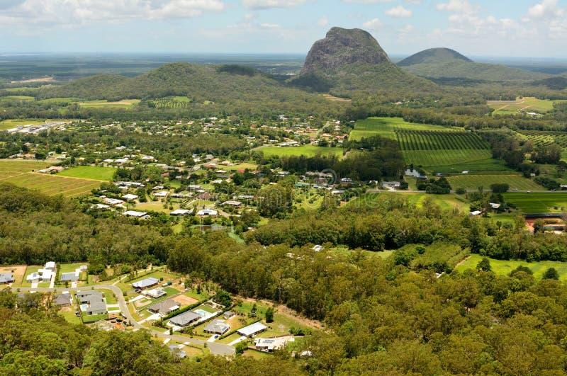 Mt Tibrogargan na região de vidro das montanhas da casa em Queensland imagem de stock