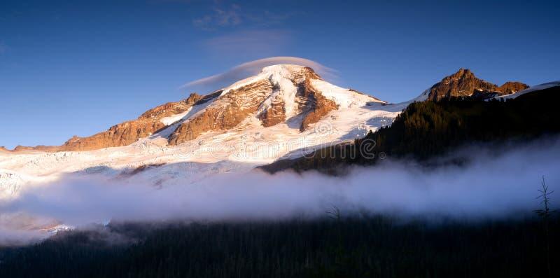 MT van het noordencascades Baker Heliotrope Ridge Glacier Peaks stock fotografie