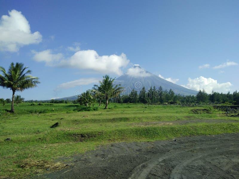 Mt Vulkan Mayon lizenzfreie stockfotografie