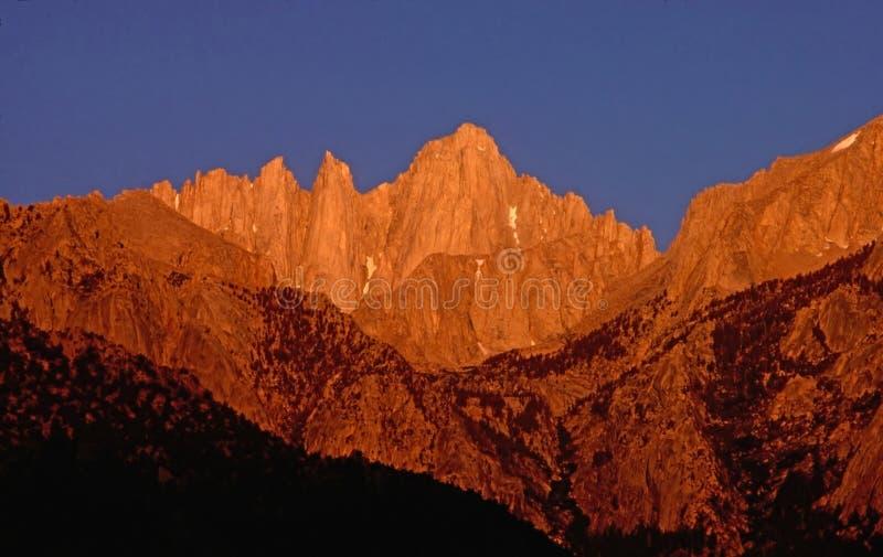 Mt Whitney à l'aube photographie stock libre de droits