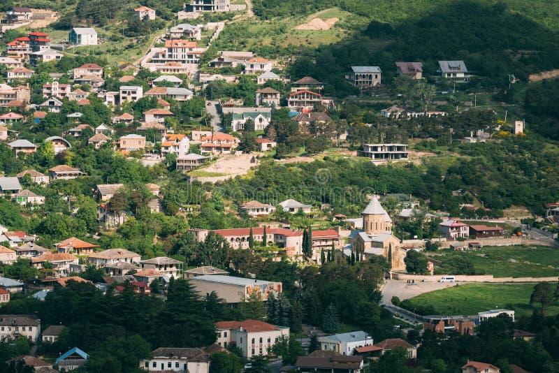 Mtskheta, окруженный собор Svetitskhoveli взгляд сверху Georgia стоковые фотографии rf
