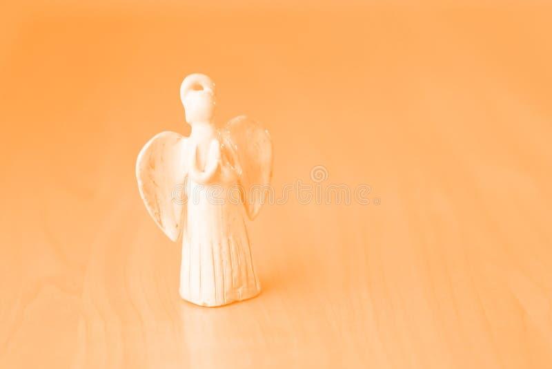Muñeca de cerámica de rogación del ángel fotos de archivo libres de regalías