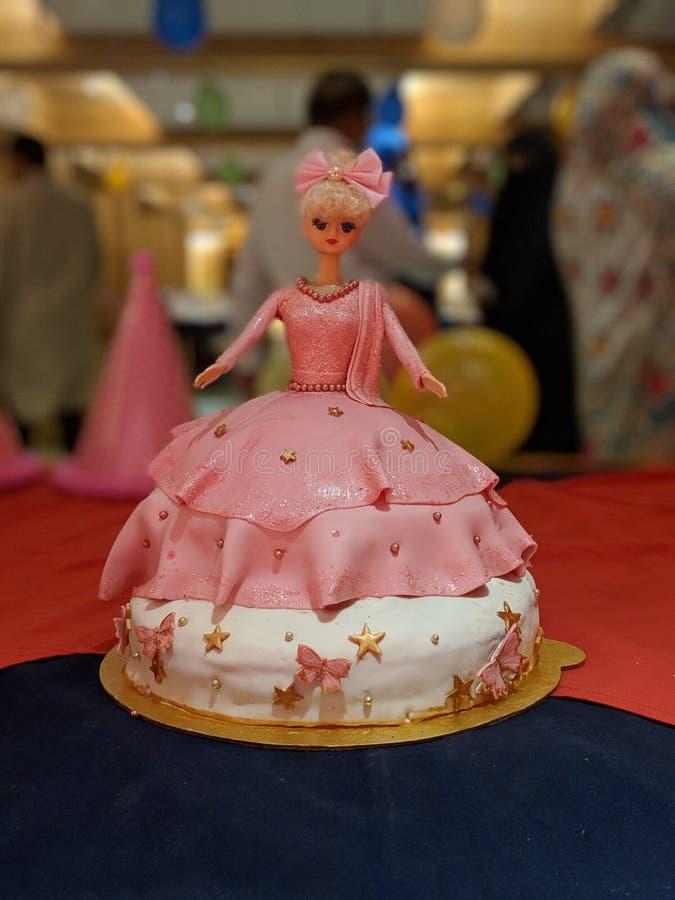 Muñeca de la torta de Barbie fotografía de archivo libre de regalías