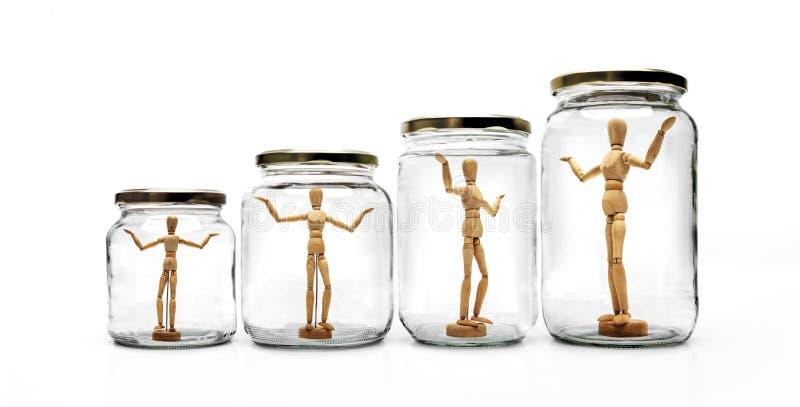 Muñeca de madera retra en vidrios fotografía de archivo