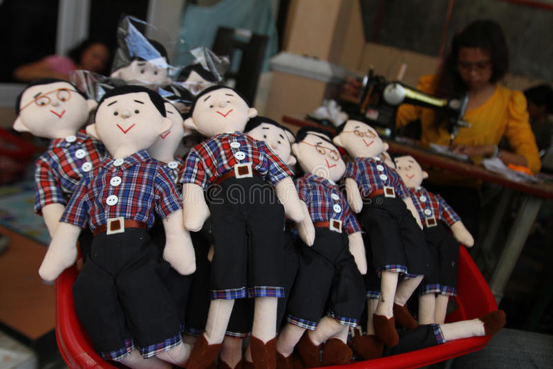 Muñeca del ahok de Jokowi (overnor de Jakarta) imagenes de archivo