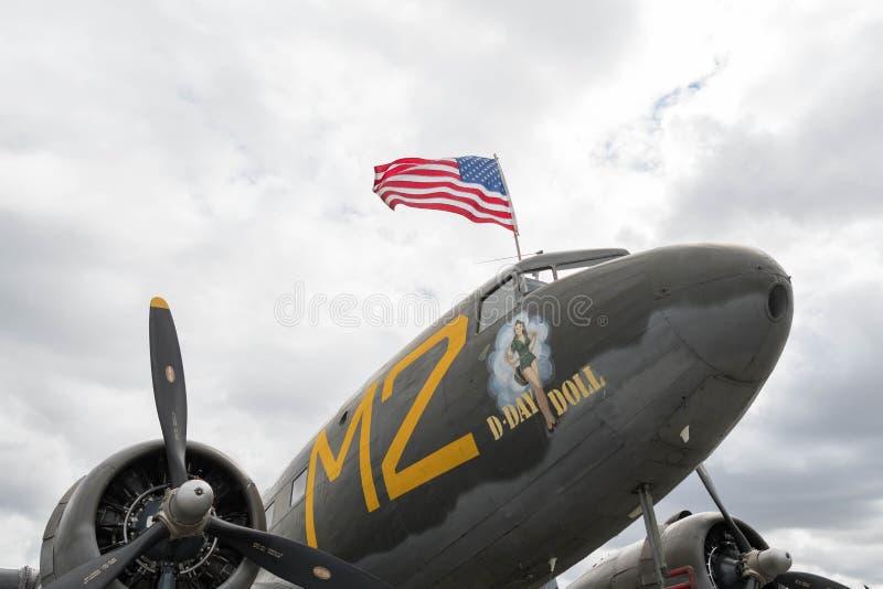 Muñeca del día D de Douglas C-53 Skytrooper en la exhibición fotografía de archivo