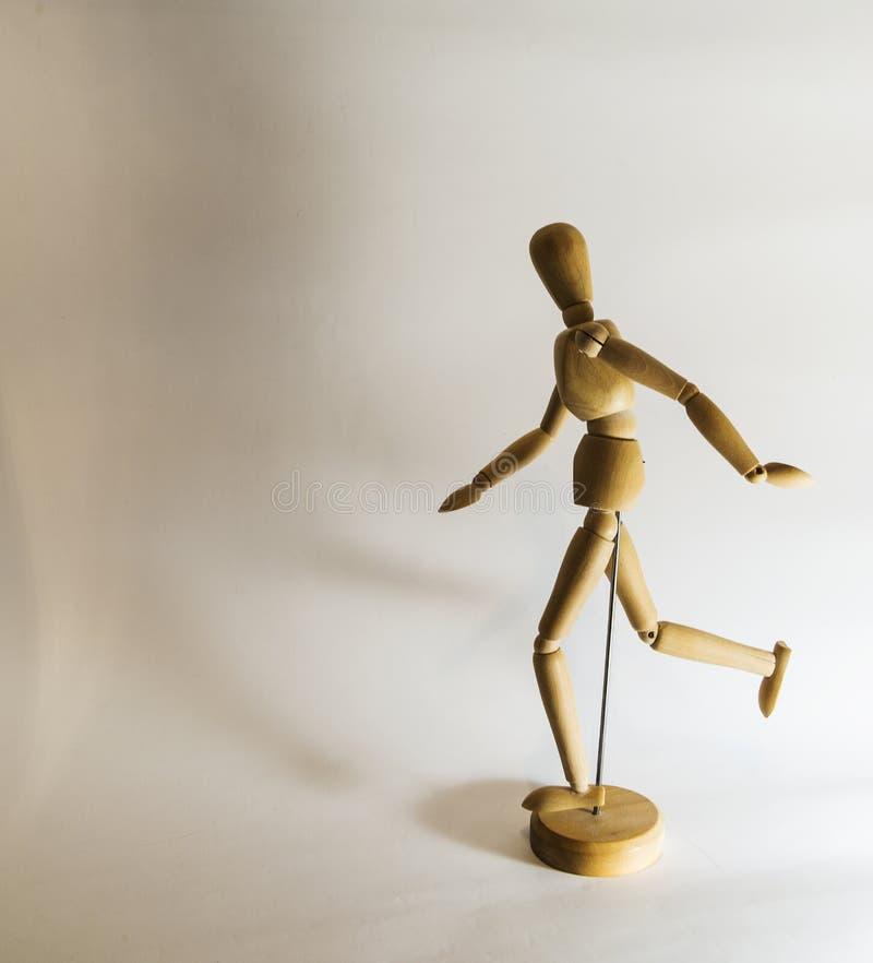 Muñeca del dibujo con la sombra en estudio foto de archivo libre de regalías