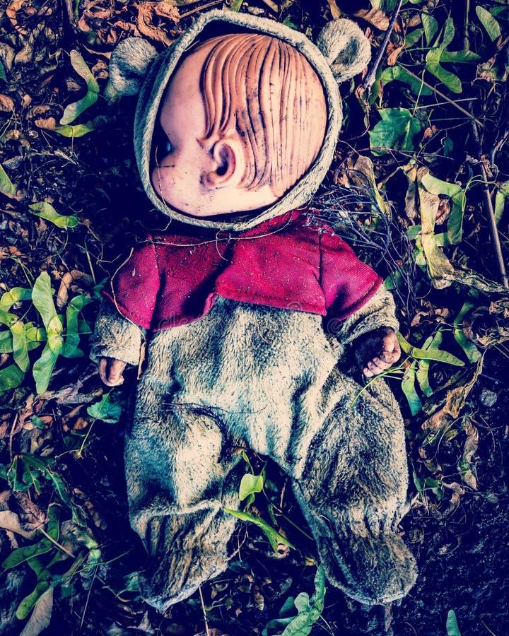 Muñeca indeseada espeluznante fotografía de archivo libre de regalías