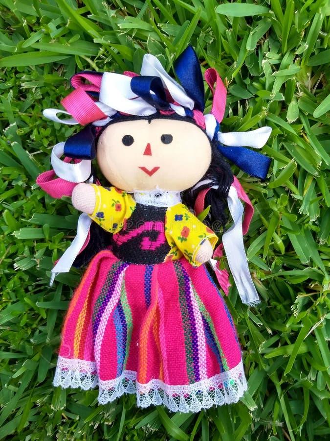 Muñeca mexicana foto de archivo libre de regalías