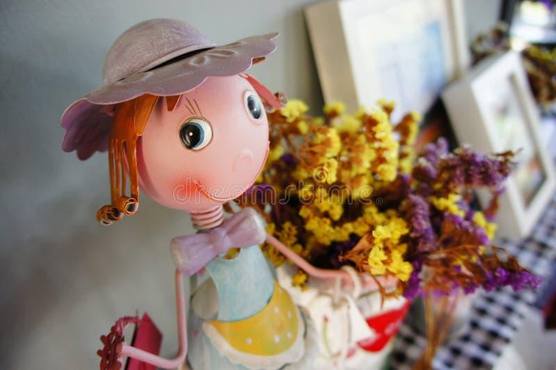Muñeca para la decoración casera fotos de archivo