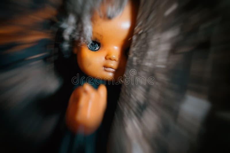 Muñeca plástica del horror asustadizo sin los ojos imagen de archivo libre de regalías