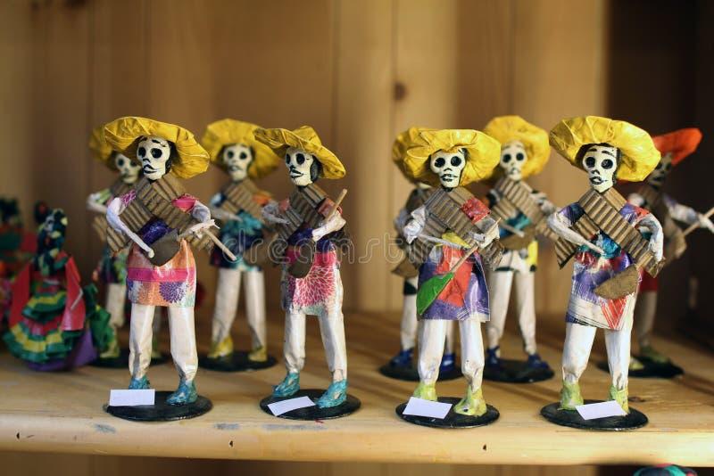 Muñecas esqueléticas mexicanas foto de archivo libre de regalías