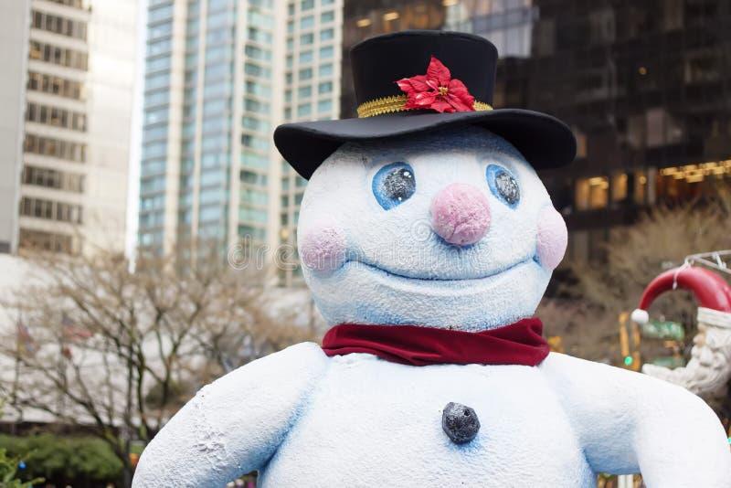 Muñeco de nieve feliz en Vancouver céntrica imagen de archivo