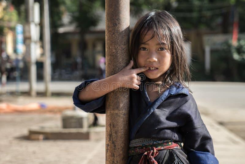 Mu Cang Cai, Sep 2014 van Vietnam -12 - een hilltribemeisje dat I leeft royalty-vrije stock afbeeldingen