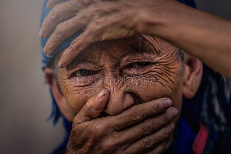MU CANG CHAI, VIETNAM, el 20 de septiembre de 2017: Vietnamita indefinido fotos de archivo