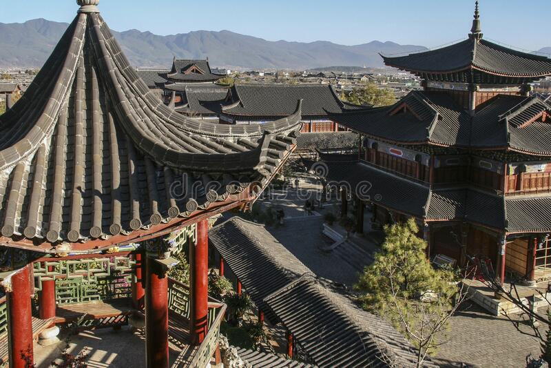 Mu fu-mansion i lijiang, Kina arkivfoto