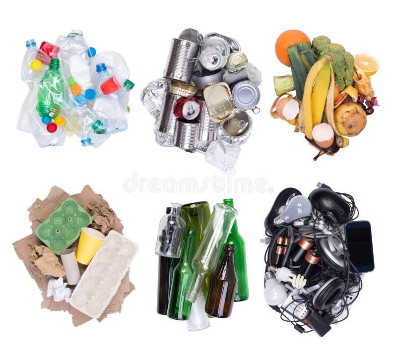 Mucchi di spreco ordinato isolato su fondo bianco, vista superiore fotografie stock