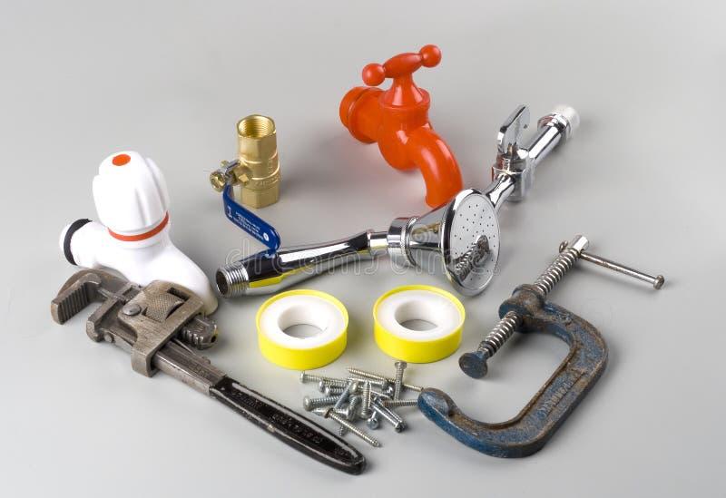 Mucchio degli strumenti o delle attrezzature Plumbing assorted fotografia stock