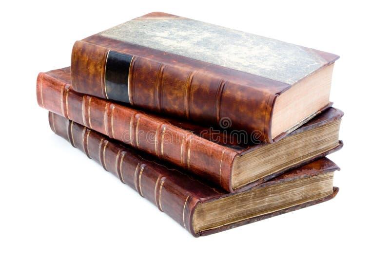 Mucchio dei libri di cuoio antichi fotografia stock