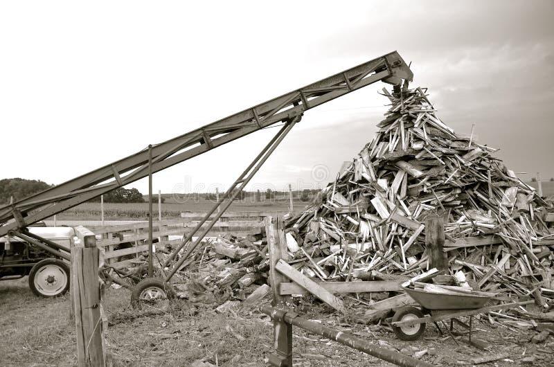 Mucchio del legname del residuo immagine stock