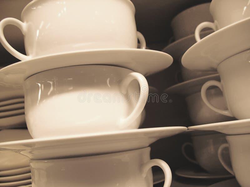 Mucchio delle tazze bianche fotografia stock