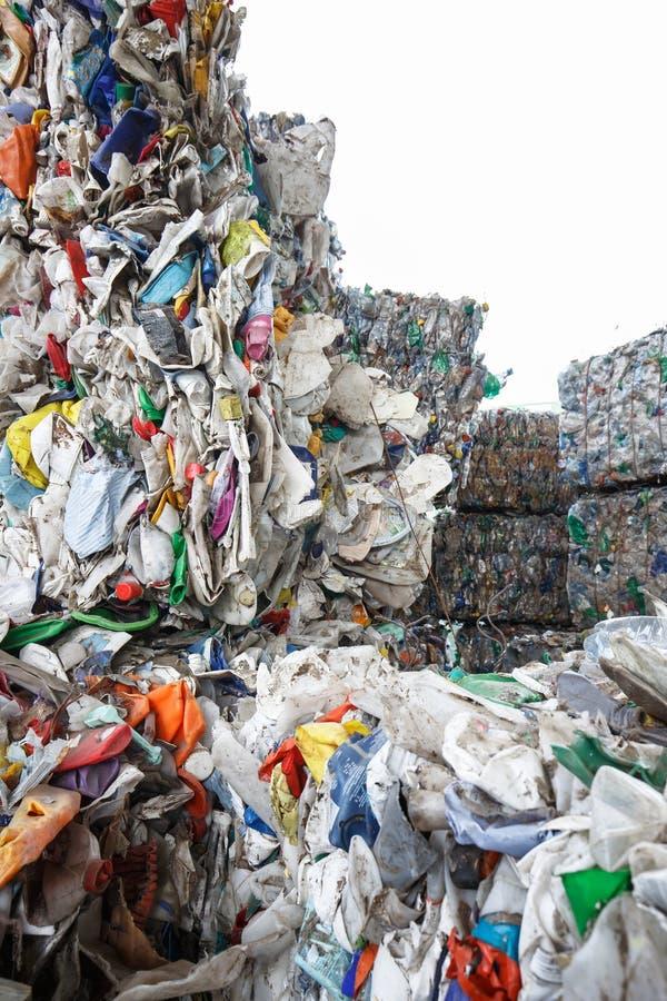 Mucchio dello spreco ordinato della plastica immagine stock libera da diritti