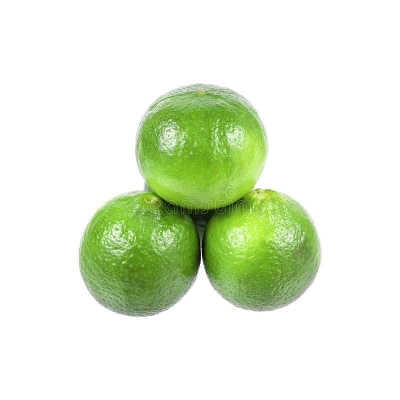 mucchio di calce verde isolato su bianco fotografie stock libere da diritti