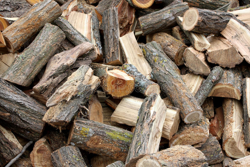 Mucchio di legno immagine stock immagine di fiammata for Mazzo per esterni in legno