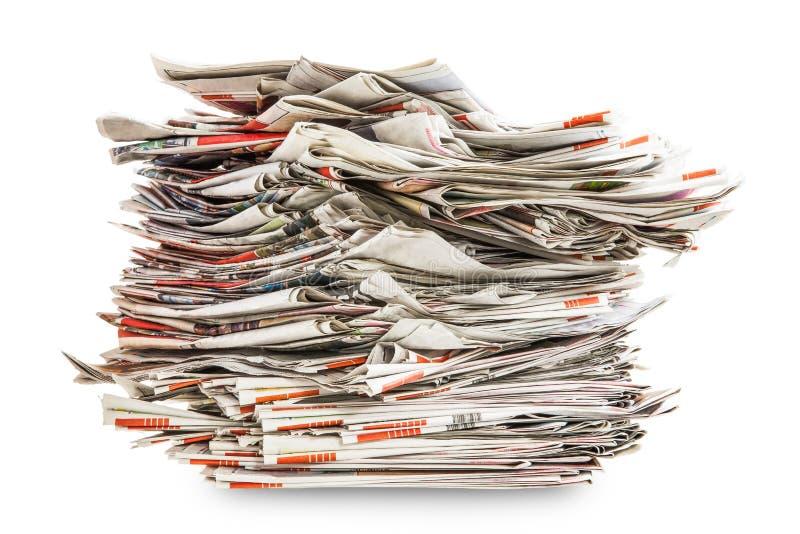 Mucchio di vecchi giornali pieganti immagine stock