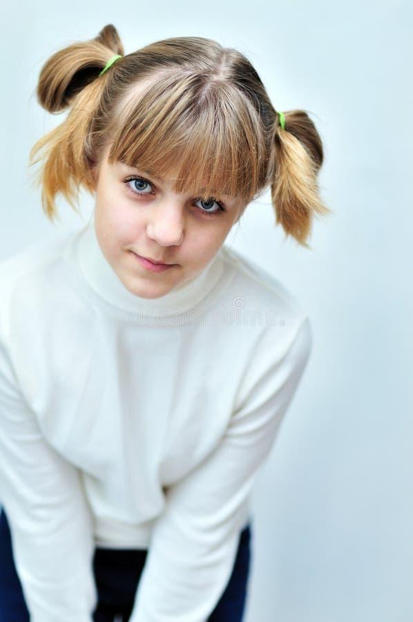 Muchacha adolescente encantadora imagen de archivo