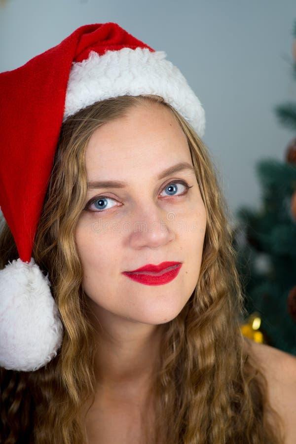 Muchacha atractiva de Santa imagen de archivo