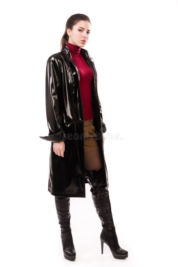 Muchacha casual de moda en un negro fotos de archivo