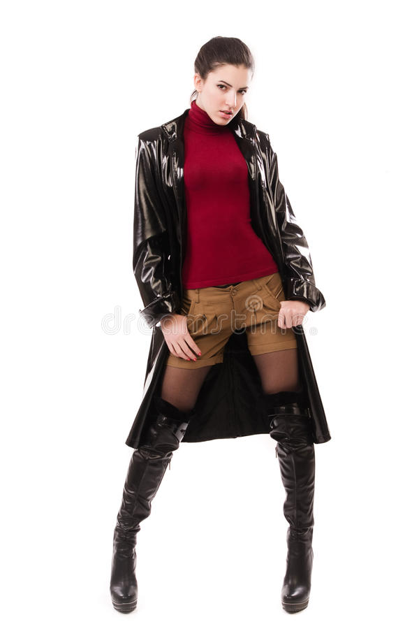 Muchacha casual de moda en un negro imagenes de archivo