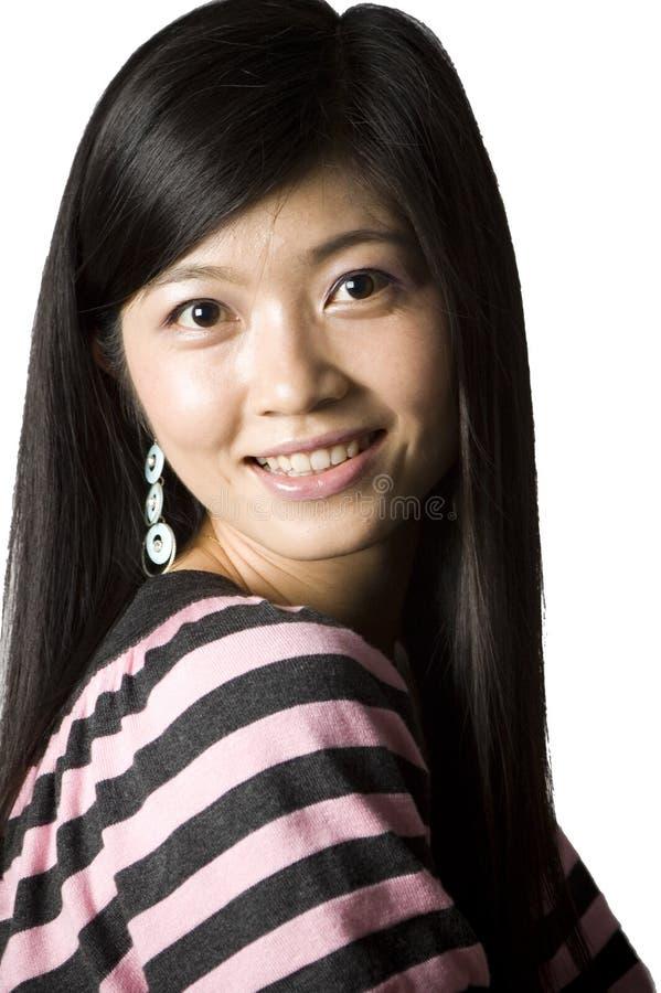 Muchacha china sonriente - retrato fotos de archivo